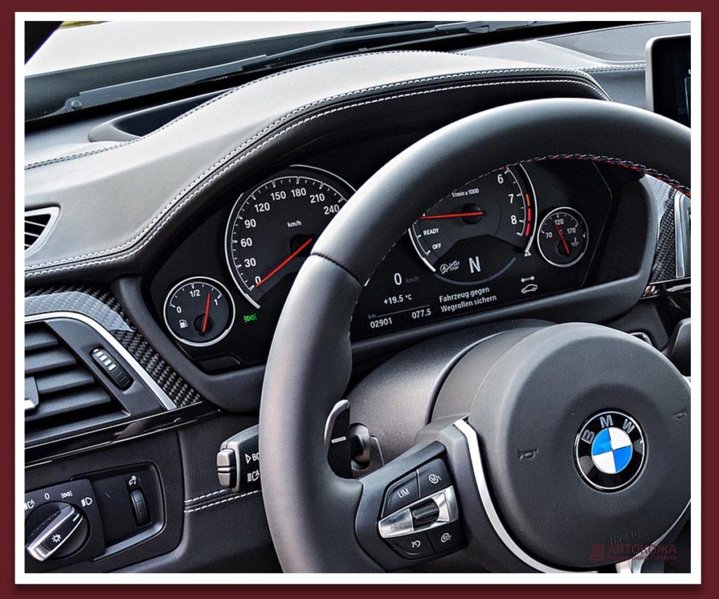 Картинка торпедо белый шов BMW