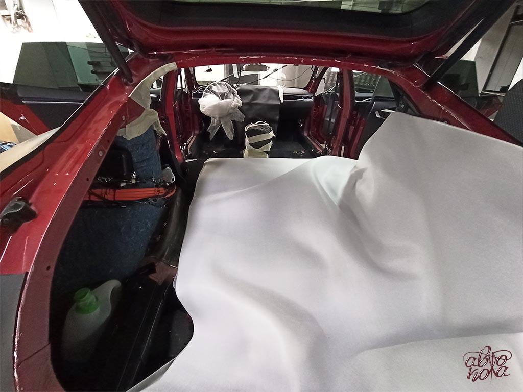 Картинка разобранный салон автомобиля